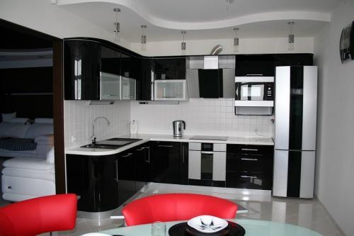 Кухня мдф  2.0*2.5м. цена 83000р.